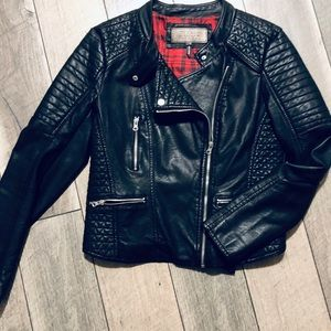 Ci Sono by Cavalini lg faux leather jacket